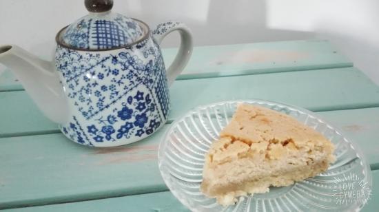 red tea cake