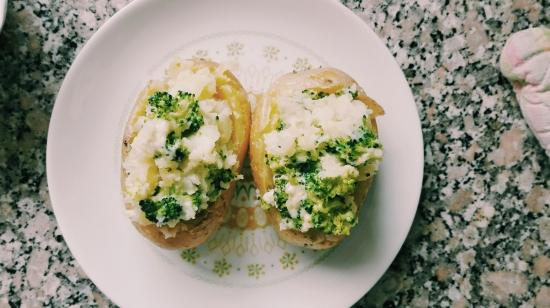 broccoli and blue cheese potatos